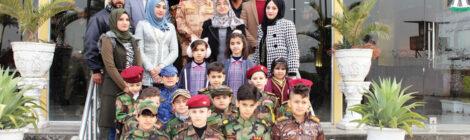 Iraqi intelligence chief hosts students
