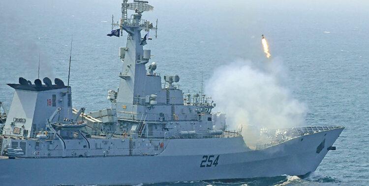 باكستان تحرس البحار